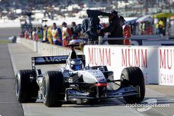 Mika Hakkinen a la salida de los pits