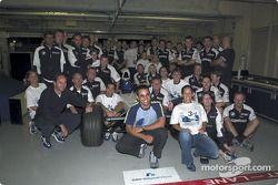El Equipo BMW Williams celebrando su tercer puesto en el Campeonato de Constructores