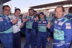 El Equipo Sauber celebrando su cuarto sitio en el Campeonato de Constructores