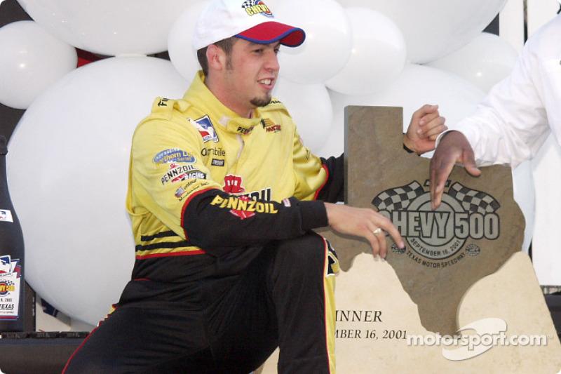 Sam Hornish Jr. receiving his trophy
