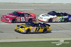 Matt Kenseth, Dale Earnhardt Jr. y Johnny Benson