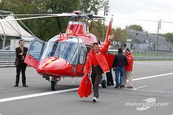 Michael Schumacher llegando