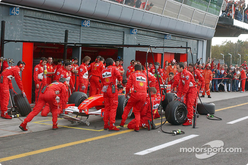 Pitstop for Luca Badoer