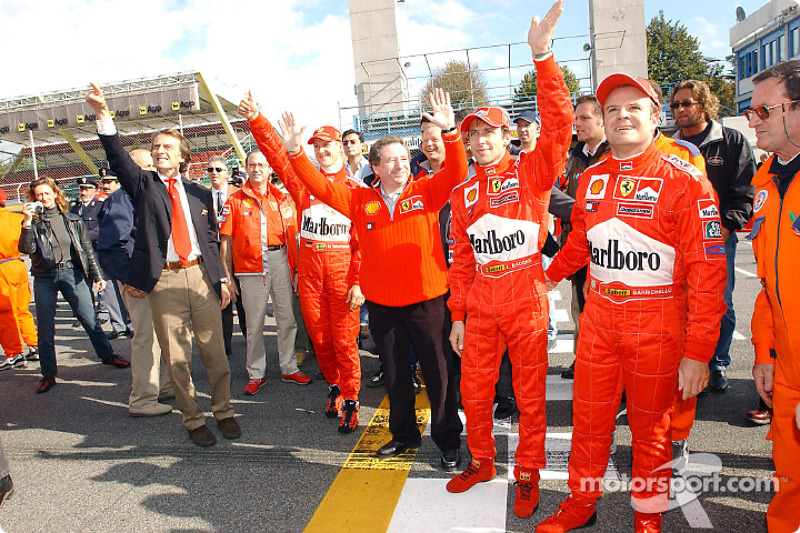 Luca di Montezemelo, Michael Schumacher, Jean Todt, Luca Badoer y Rubens Barrichello