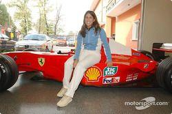 Jennifer Capriati en la pista de Fiorano: Jennifer y el Ferrari F1-2000