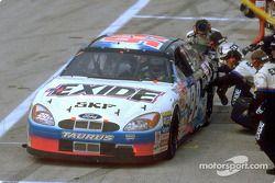 El piloto del Exide Ford Taurus, Jeff Burton y su equipo del Roush Racing ganaron cuatro eventos de