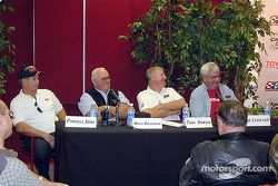 Légendes du ChampCar : Parnelli Jones, Wally Dallenbach, Tom Sneva et Joe Leonard