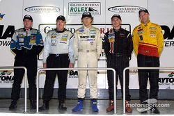 Champions Grand-Am : Doug Goad, Craig Conway, James Weaver, Andy Lally, Darren Law posent à Daytona