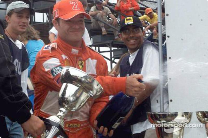 Champagne pour Rubens Barrichello