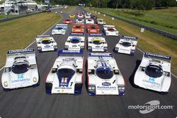 Un groupe de Porsche 962 et 956 : 23 voitures au total