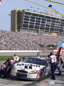 Pitstop for Mike Wallace