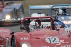 La Ferrari Risi Competizione 333SP mène un peloton