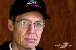 Greg Specht, manager de Tecnología, marketing, ventas y servicio de North American Racing Manager Fo