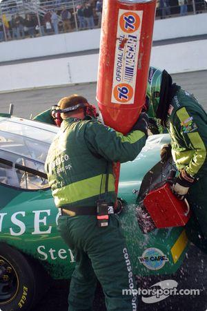Acción de pits en el A.J. Foyt Racing