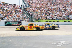 Kevin Lepage y Michael Waltrip