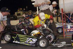 Plein d'essence pour la n°73 de Dan Snyder avant le Briggs & Stratton 300