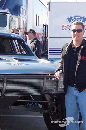 Damen Jefferies Trick Truck contingency Row