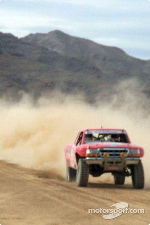 Ford Ranger dans la poussière
