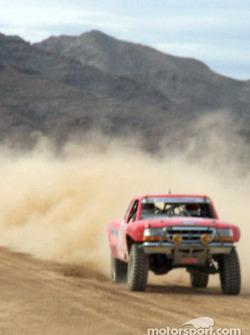 Ford Ranger kicking up dust
