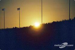 Puesta de sol en el Richmond International Raceway