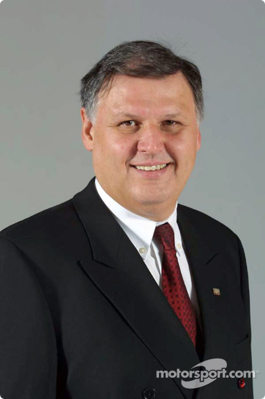 General Manager, engine department, Norbert Kreyer