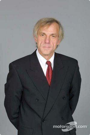 Gustav Brunner, designer en chef