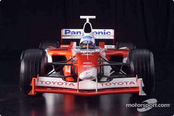 Mika Salo in the 2001 Toyota Formula 1 TF102