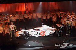 Jacques Villeneuve et Olivier Panis avec la nouvelle BAR Honda 004