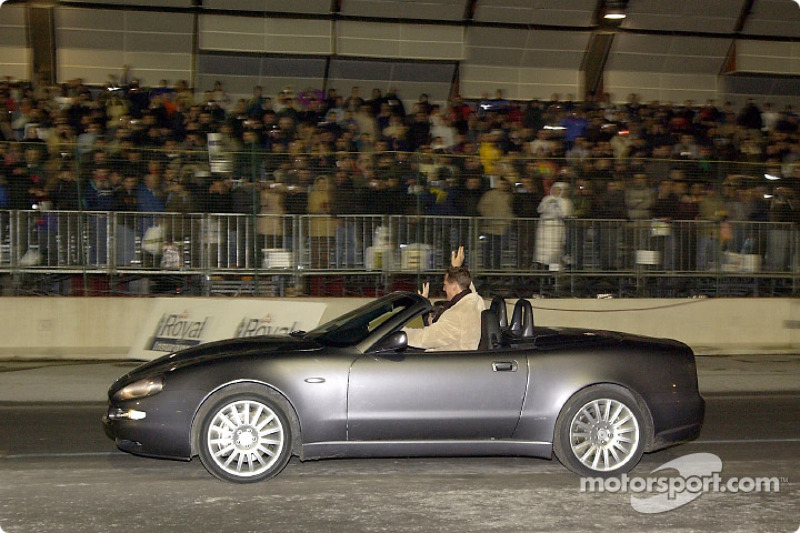 Michael Schumacher y Jean Todt manejando el Maserati Spyder