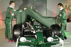 Eddie Irvine and Pedro de la Rosa unveiling the new Jaguar R3