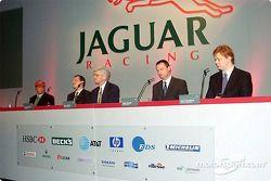 Steve Nichols hablando del Jaguar R3