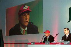 Niki Lauda hablando acerca del Jaguar R3