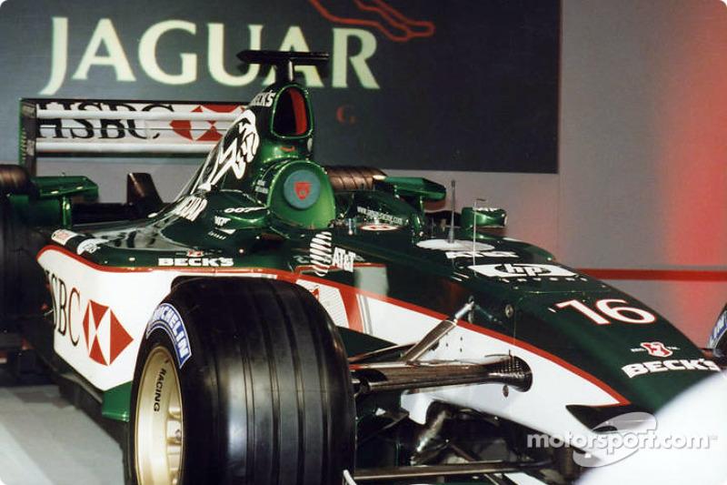 yeni Jaguar R3