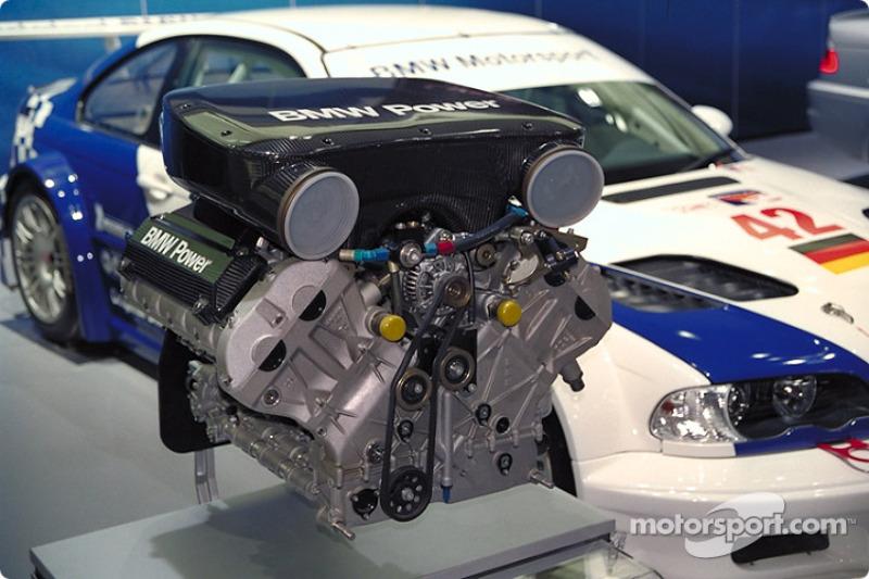 the alms bmw m3 gtr v8 engine at north american international auto