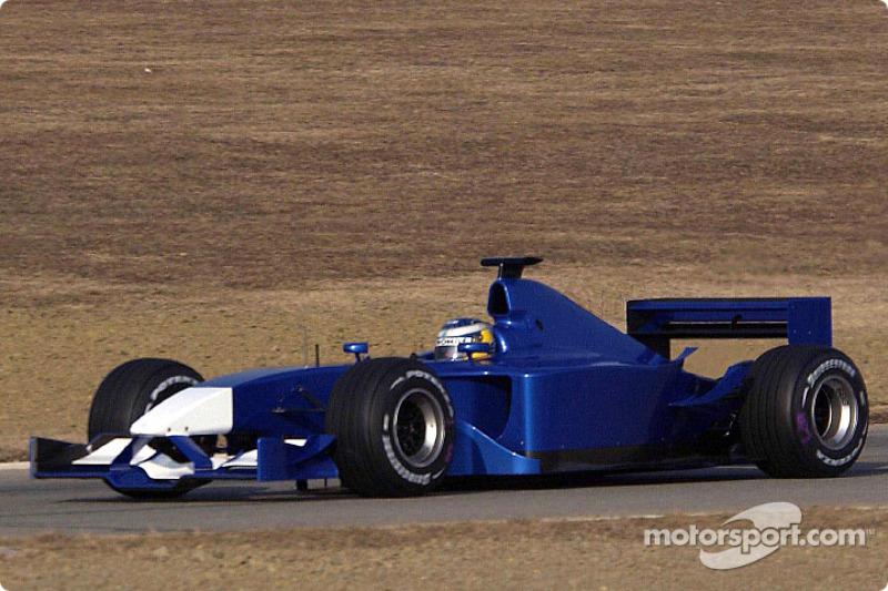 Nick Heidfeld probando el nuevo Sauber Petronas C21