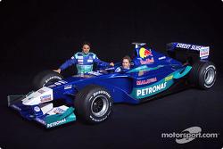 Felipe Massa en Nick Heidfeld met de nieuwe Sauber Petronas C21