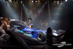Unveiling the new 2002 Sauber Petronas C21