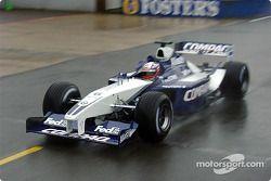 Juan Pablo Montoya probando el nuevo WilliamsF1 BMW FW24 2002