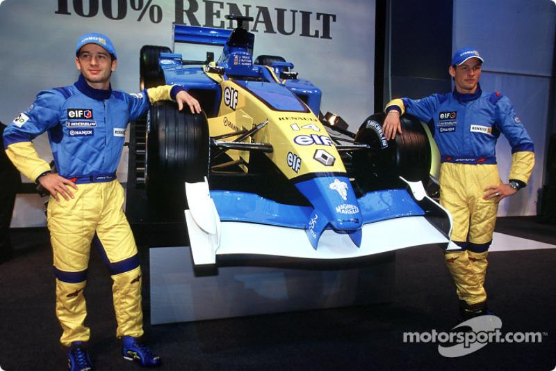Jarno Trulli y Jenson Button con el nuevo Mild Seven Renault F1 R202 2002