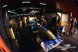 Jenson Button dans le garage
