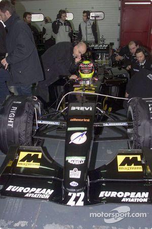 Alex Yoong en el garage