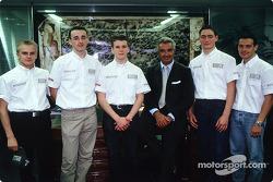 Flavio Briatore avec les jeunes pilotes