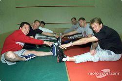 El día de trabajo comenzó temprano para los pilotos de Audi durante su campamento físico en St. Mori