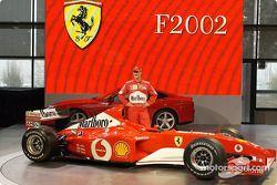 Michael Schumacher con el nuevo Ferrari F2002