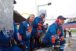 No. 74 crew concentration