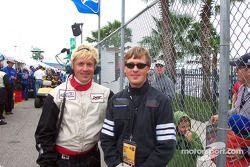 Les jumeaux : Chris Oldham et sa Riley & Scott ; Jeff Oldham et sa Viper