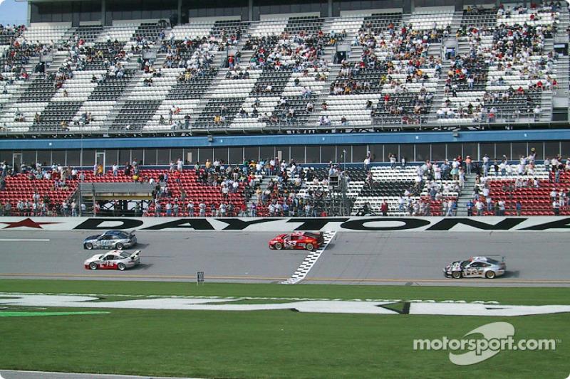 Scuderia Ferrari of Washington Ferrari 360 GT crossing the line
