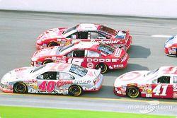 Sterling Marlin, Jeremy Mayfield y Dale Earnhardt Jr. en una dura batalla