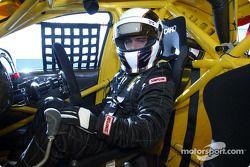 Le Brésilien Max Wilson, qui va courir en V8 Supercar en Australie cette année, dans le cockpit de sa Ford Falcon