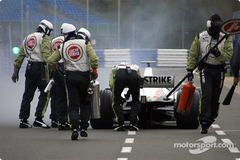 Jacques Villeneuve in trouble on pitlane